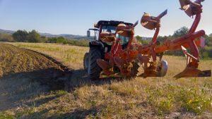 Tractor - Maquinaria Agrícola Nunez